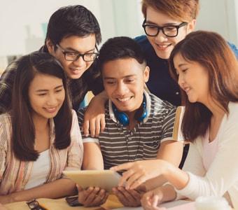 SelfScore_Students_Researching1